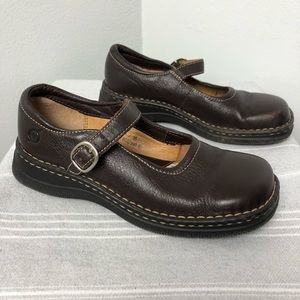 Born Leather Mary Janes Dark Brown | SZ 5 / 3 / 35